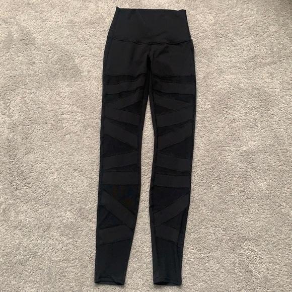Lululemon black mesh leggings size 4
